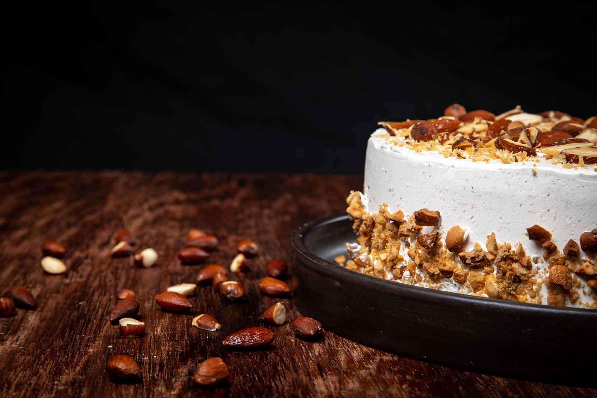 Torta Almond Praline